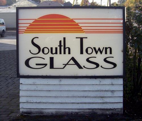 Southtown Glass lighted sign faces